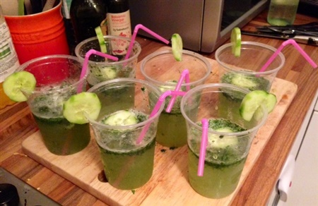 A photo of rum-free mojitos