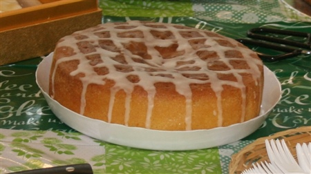 An image of the winning lemon drizzle cake